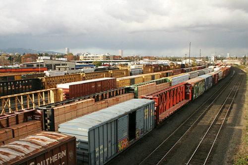 Vận chuyền hàng hóa bằng đường sắt